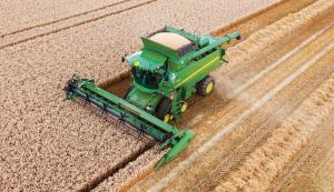 John Deere T560i combine harvester